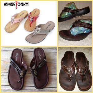 Minnetonka Silverthorne wedge sandal flip-flop